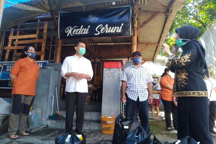 Wali Kota Salatiga Yuliyanto berdiskusi dengan Ketua RW 03 Jetis Wetan