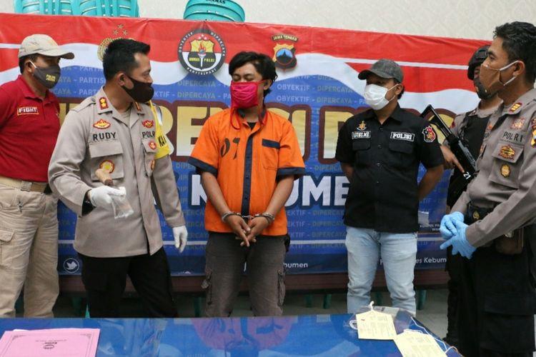 Ungkap kasus pembacokan di Mapolres Kebumen, Jawa Tengah, Jumat (24/7/2020).