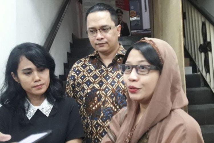Susi Ferawati, seorang ibu rumah tangga yang mengalami persekusi usai menjalani pemeriksaan pertama di Mapolda Metro Jaya, Jumat (4/5/2018).