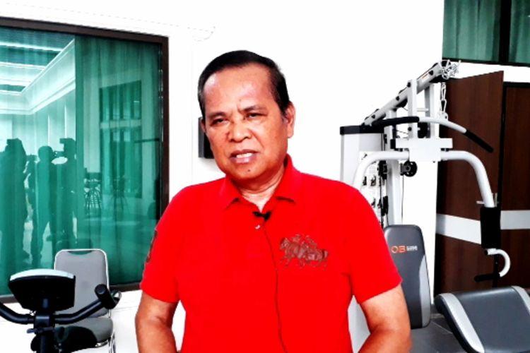 Bupati Luwu Basmin Mattayang saat dikonfirmasi awak media di rumah jabatan, Rabu (01/04/2020)