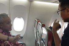 Cerita Gubernur Ganjar dan Kebiasaan Duduk di Pesawat Kelas Ekonomi