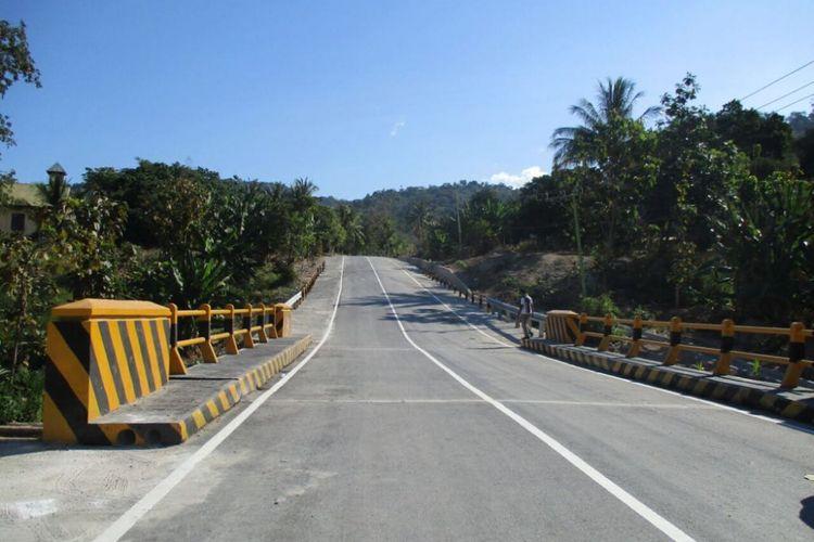Jalan Poros Selatan Pulau Timor Bantu Akses Warga 2 Kabupaten di NTT.