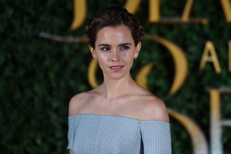 Aktris Inggris Emma Watson menghadiri peluncuran film Beauty and the Beast di London, Inggris, pada 23 Februari 2017.