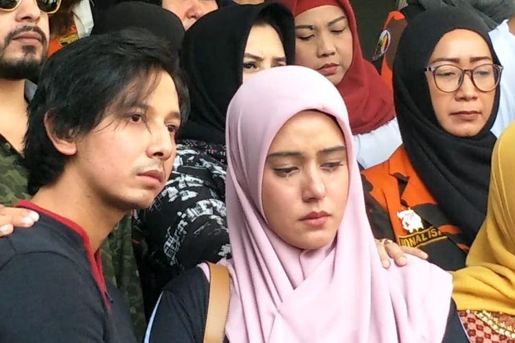 Sonny Septian dan Fairuz A  Rafiq saat mendatangi Polda Metro Jaya, Jakarta Selatan, Senin (1/7/2019).
