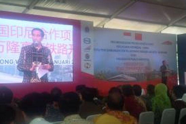Presiden Joko Widodo dalam groundbreaking pembangunan kereta api cepat, di Walini, Kabupaten Bandung Barat.