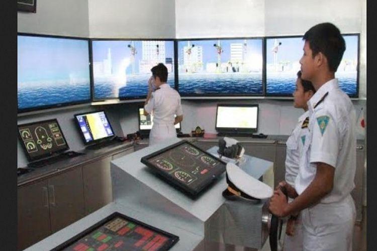 Pada awal peresmiannya, SMK Wisudha Karya masih belum dilengkapi peralatan memadai. Saat ini, SMK tersebut menjadi satu-satunya sekolah menengah kejuruan di Indonesia yang memiliki peralatan kelas A Full Mission Bridge Simulator.