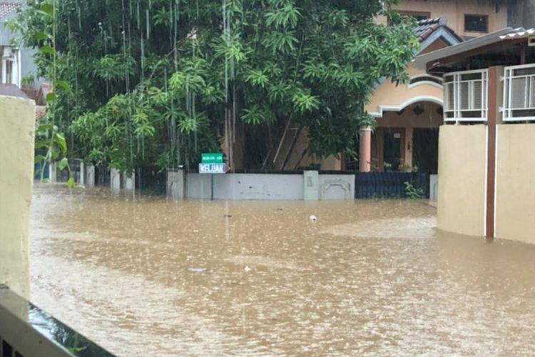 Kondisi Banjir di Jatiwarna, Kecamatan Pondok Melati, Kota Bekasi, Rabu (1/1/2020).