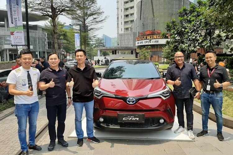 Auto2000 edukasi konsumen terkait deretan mobil hybrid Toyota