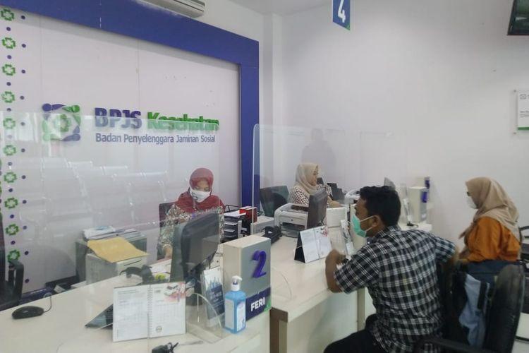 Ilustrasi: Pelayanan di kantor BPJS Kesehatan Cabang Jember