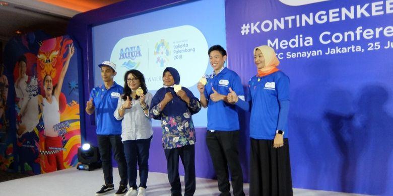 Lilies Handayani (kedua daeri kiri) dalam acara peluncuran tagar #KontingenKebaikan dari Danone-AQUA, Rabu (25/07/2018).