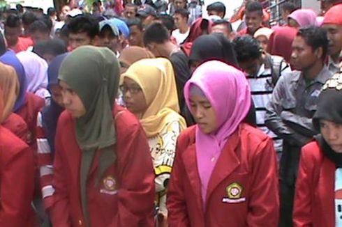 Tuntut Rektor Mundur, Mahasiswa Unidar Duduki Kantor Gubernur