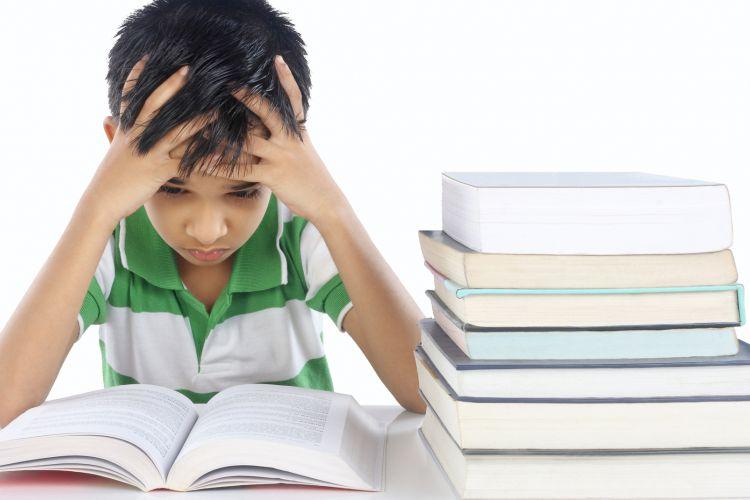 Ilustrasi anak tidak suka baca buku