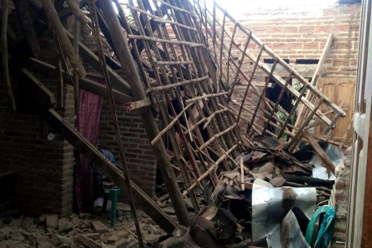 Rubble in a house at East Java's Tulungagung regency, after a 6.1 Richter scale earthquake hit the province and other parts of Indonesia on Saturday (10/4/2021), killing 8 people and injuring 25 others