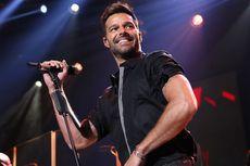 Lirik dan Chord Lagu She Bangs - Ricky Martin