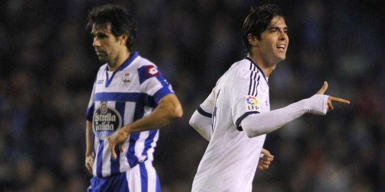 Gelandang Real Madrid, Ricardo Kaka, merayakan golnya ke gawang Deportivo La Coruna, Sabtu (23/2/2013).