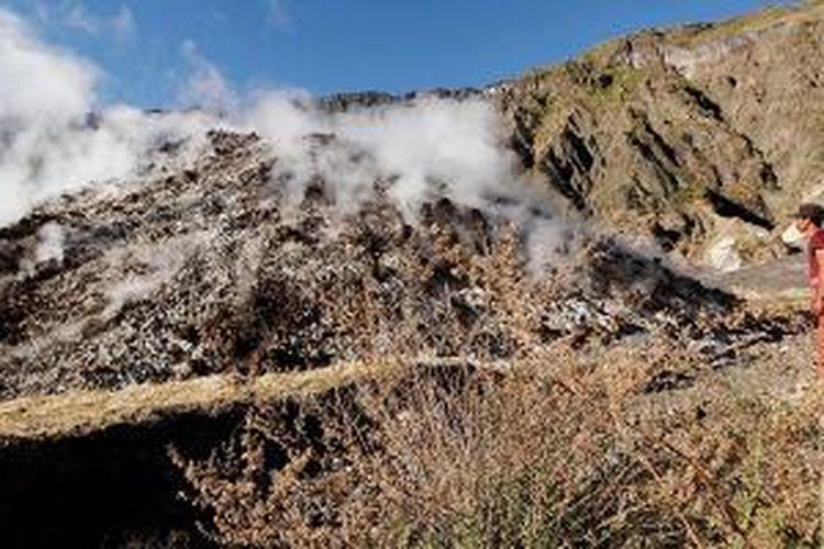Doro Api To'i merupakan kubah lava baru di dasar kaldera Gunung Tambora di Kabupaten Dompu, Nusa Tenggara Barat, diambil dengan pesawat tanpa awak atau drone.