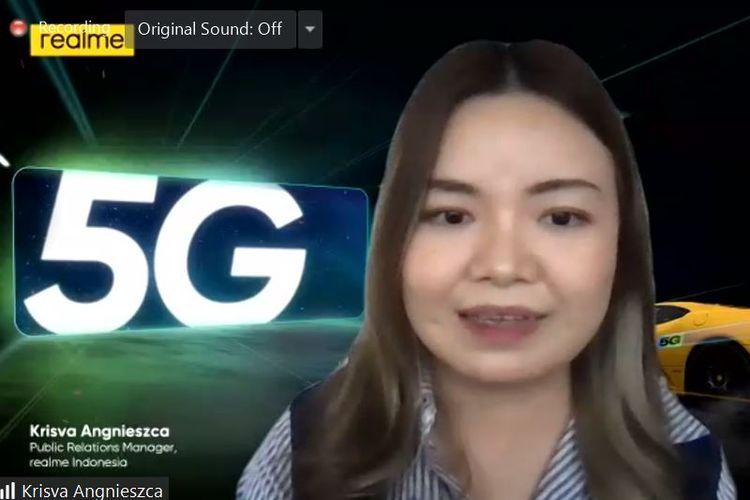 Public Relations Manager Realme Indonesia, Krisva Angnieszca dalam sesi tanya jawab peluncuran Realme 8 5G, Rabu (16/6/2021).