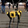 Robot Anjing Boston Dynamics Berkeliling Ingatkan Social Distancing