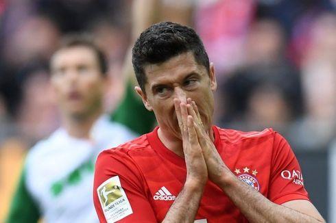 Hasil Bundesliga, Augsburg vs Bayern Seri, Lewandowski Samai Makaay