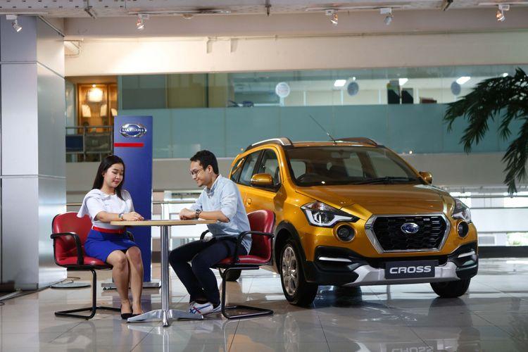 Ilustrasi pelayanan konsumen Nissan dan Datsun.