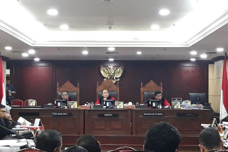 Sidang sengketa hasil pemilu legislatif di Gedung Mahkamah Konstitusi (MK), Jakarta Pusat, Rabu (24/7/2019).