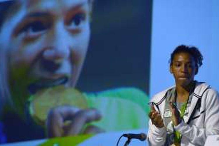 Atlet judo Brasil, Rafaela Silva, berbicara tentang rasialisme setelah memenangi medali emas Olimpiade untuk kategori 57 kilogram putri, 10 Agustus 2016.