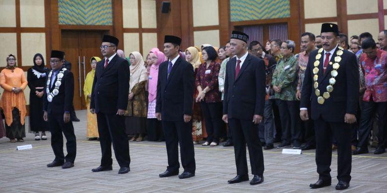 Menristekdikti Mohamad Nasir saat melantik dua rektor universitas negeri dan tiga direktur politeknik negeri di Gedung Kemenristekdikti, Jakarta (6/3/2019).