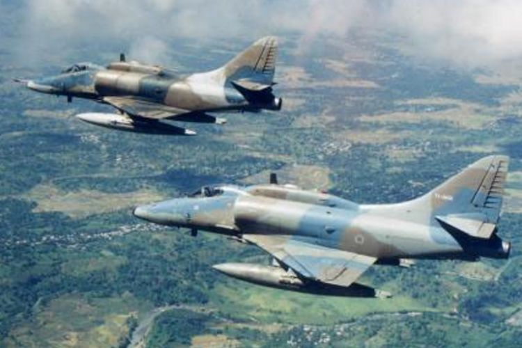 Pesawat A-4 Skyhawk milik <a href='https://medan.tribunnews.com/tag/tni-au' title='TNIAU'>TNIAU</a> yang dibeli dari Israel pada tahun 1979.
