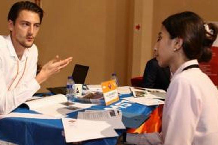 Banyak pelajar Indonesia menemui kesulitan dan tidak dapat menjawab dengan tepat dan artikulatif tentang motivasi mereka meneruskan studi di luar negeri dan mengambil bidang studi pilihannya.