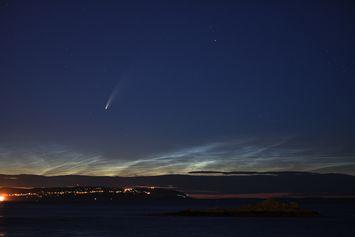 Komet Neowise Hanya Bisa Dilihat Sekali Seumur Hidup, Benarkah Ekornya Terbelah?