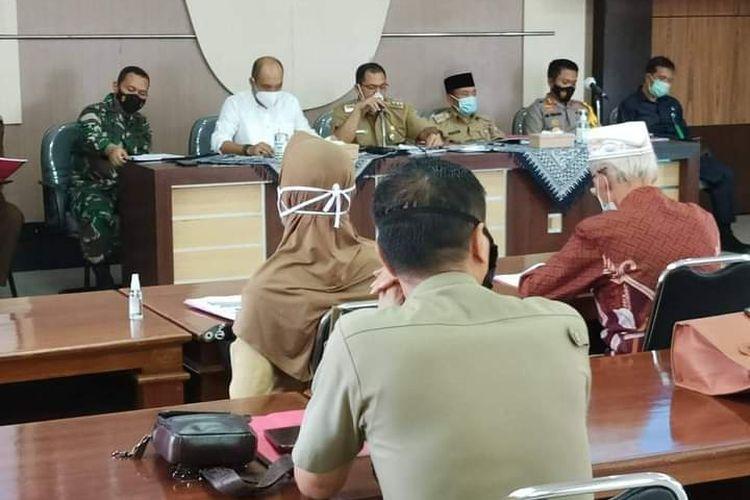 Bupati Semarang Ngesti Nugraha memimpin rakor persiapan Idul Fitri.