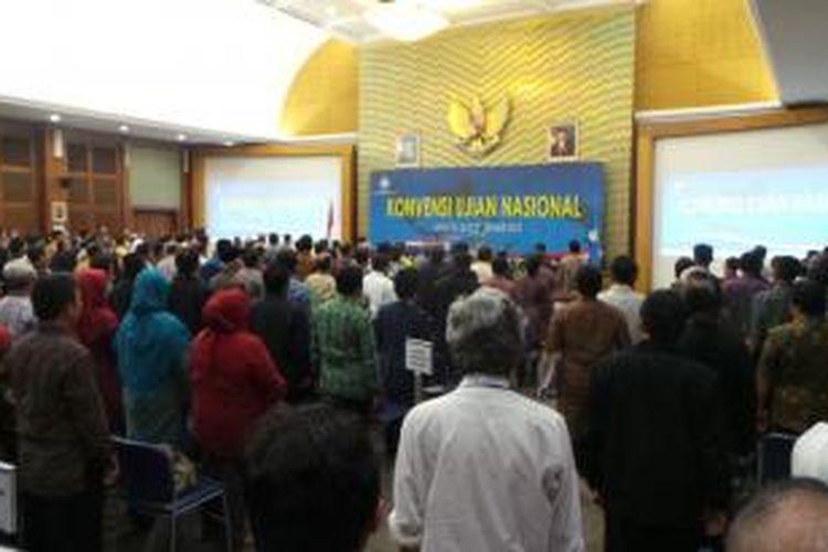 Suasana Konvensi Ujian Nasional yang digelar di Gedung Kementerian Pendidikan dan Kebudayaan, Jakarta, Kamis (26/9/2013).