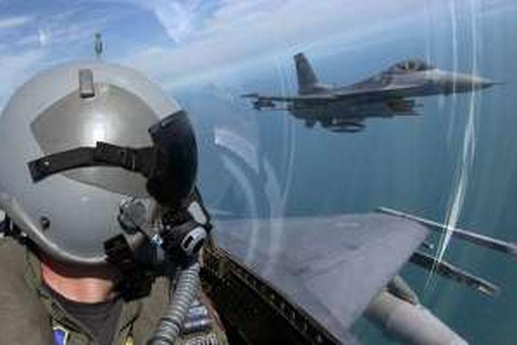 Ilustrasi Pilot F-16.