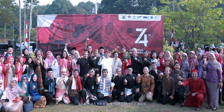 Upacara Peringatan HUT RI ke-78 Kemenristekdikti di Pusat Penelitian Ilmu Pengetahuan dan Teknologi (Puspiptek), Serpong, Tangerang pada Sabtu (17/8/2019).