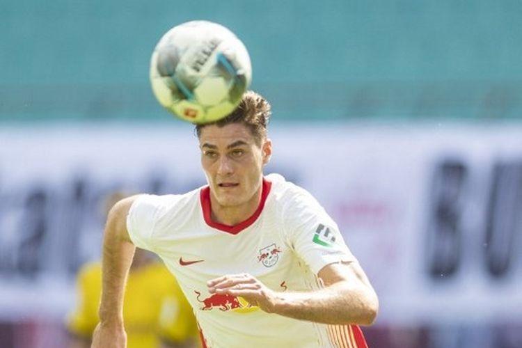Patrik Schick merapat ke Bayer Leverkusen.