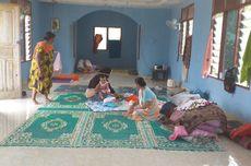 Rumah Dikepung Banjir, Warga di Kampar Mengungsi ke Mushala