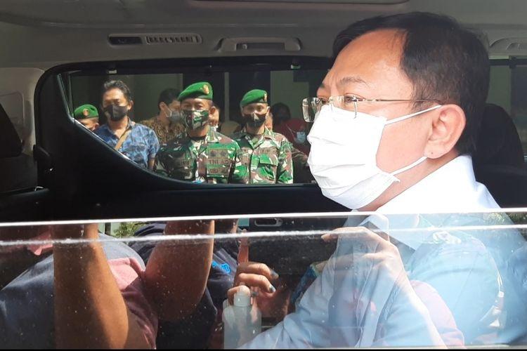 Menteri Kesehatan (Menkes) Terawan Agus Putranto usai penyerahan santunan bagi ahli waris tenaga kesehatan yang meninggal saat bertugas menangani pasien Covid-19 di Rumah Sakit Bhakti Wira Tamtama Semarang, Jumat (24/7/2020).