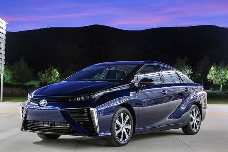 Toyota memperkenalkan model hidrogen pertama, Mirai.