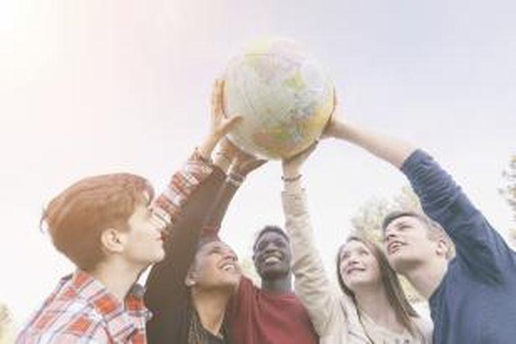 Menyekolahkan anak di luar negeri, tak hanya butuh kesiapan biaya yang memadai, terutama ketika tak ada dukungan beasiswa penuh.