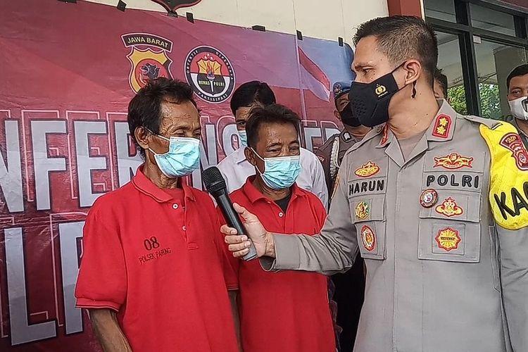 Polres Bogor, Jawa Barat, meringkus dua kakek berinisial E (65) dan S (50) setelah mengakui seluruh perbuatan bejatnya di Kecamatan Ciseeng, Kabupaten Bogor, Jawa Barat, Jumat (23/4/2021).