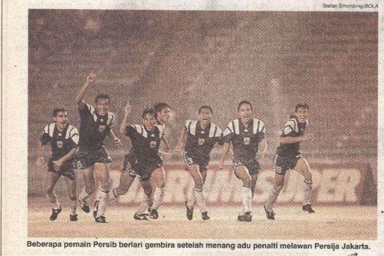 Para pemain Persib Bandung saat beraksi di Divisi Utama PSSI pada 1994.