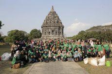 Peduli Lingkungan, Ratusan Mahasiswa Tanam Pohon di Candi Prambanan