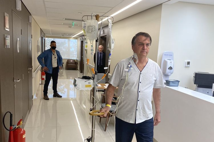 Presiden Brasil Jair Bolsonaro, yang menjalani perawatan untuk sumbatan pada ususnya belum mendapat izin keluar dari rumah sakit hingga Jumat (16/7/2021).