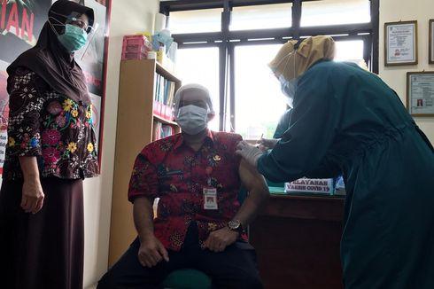 Wabup Semarang Usai Divaksin: Rasanya Seperti Digigit Semut, tapi Tidak Gatal