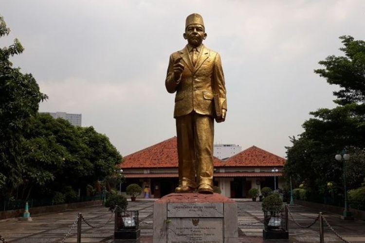 Patung M.H Thamrin