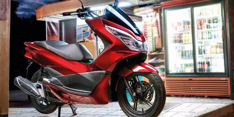 Honda PCX 150 wajah baru, sudah berlampu LED.