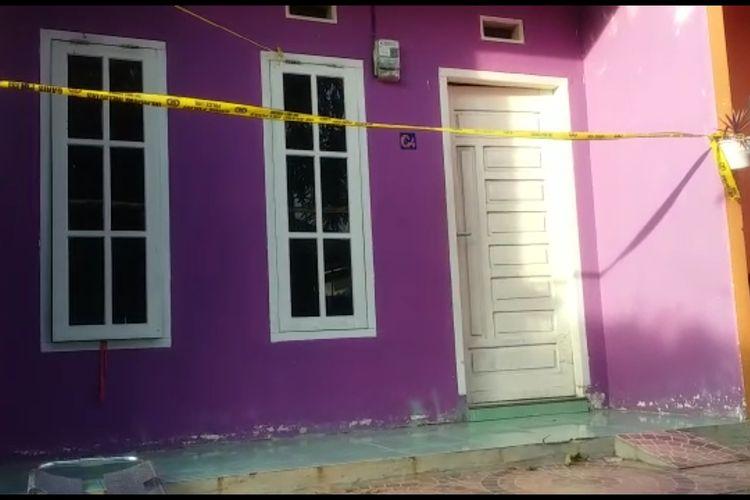 Inilah kamar kost di Jalan Taman Murni Gang Murai Batu 3 RT 01/03  Kelurahan Gunung Ibul Barat Kecamatan Prabumulih Timur Prabumulih Sumatera Selatan tempat seorang wanita pemandu karaoke di Kota Prabumulih ditemukan sudah menjadi mayat. Polisi sudah memeriksa 11 orang termasuk yang mengarah ke teman korban.