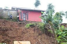Tanah Terus Bergerak di Batulawang Cianjur, 2 Rumah di Atas Tebing Terancam Ambles