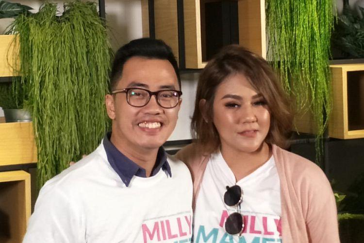 Dennis Adhiswara dan Sissy Priscillia saat jumpa pers peluncuran teaser film Milly & Mamet di Hong Kong Kafe, Menteng, Jakarta Pusat, Kamis (12/7/2018).