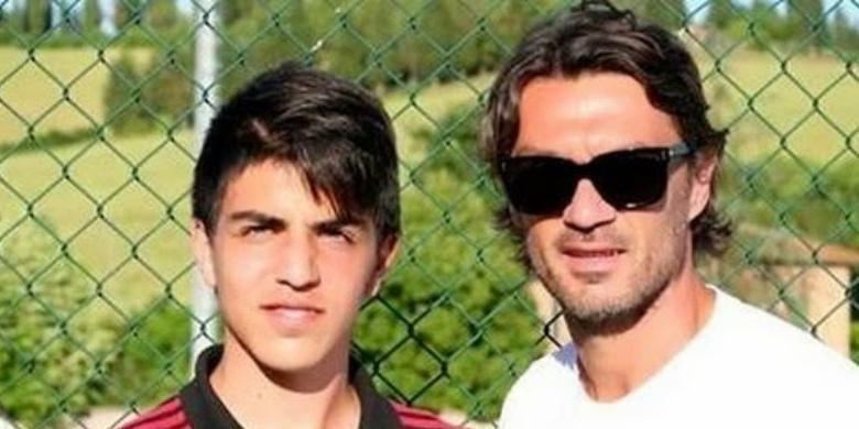 Christian Maldini (kiri) dan ayahnya, Paolo Maldini